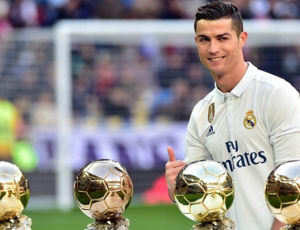 Cristiano Ronaldo : Sa craquante photo de famille !