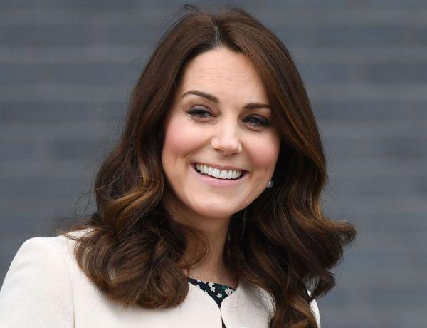Kate Middleton : Découvrez les adorables clichés de sa sortie au parc avec le prince George et la princesse Charlotte
