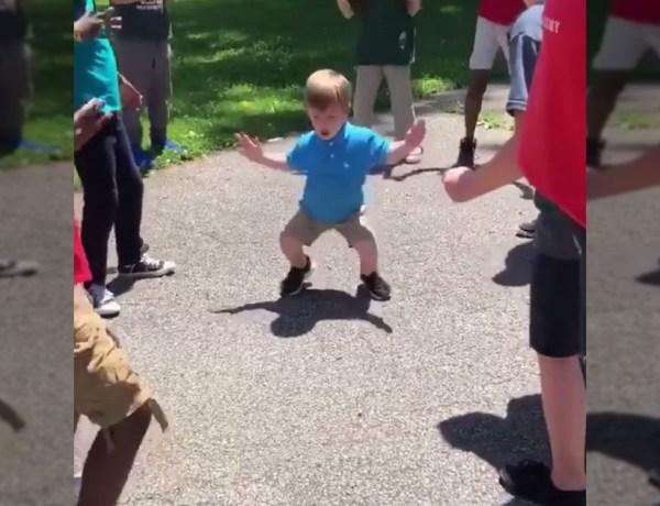 Un enfant danse sur du rap avec l'assurance d'un adulte !