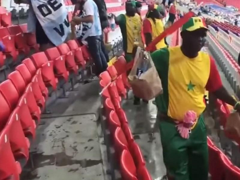 Coupe du Monde 2018 : L'incroyable geste des supporters japonais et sénégalais dans les gradins !
