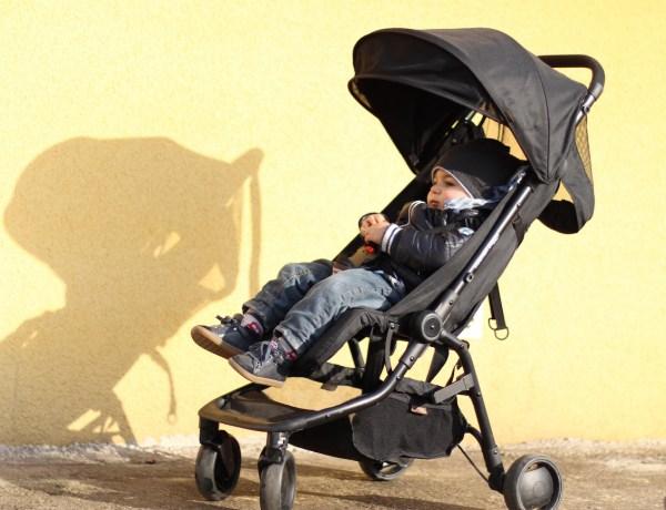 Selon une étude, couvrir la poussette de votre enfant pendant l'été serait dangereux
