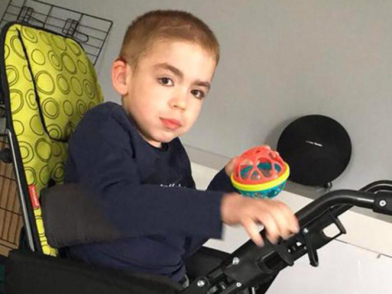 L'appel à l'aide de la famille d'Enzo pour récupérer sa poussette adaptée