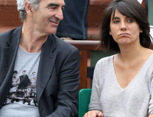 Roland-Garros : Quand Estelle Denis surprend Raymond Domenech en compagnie d'une jolie blonde