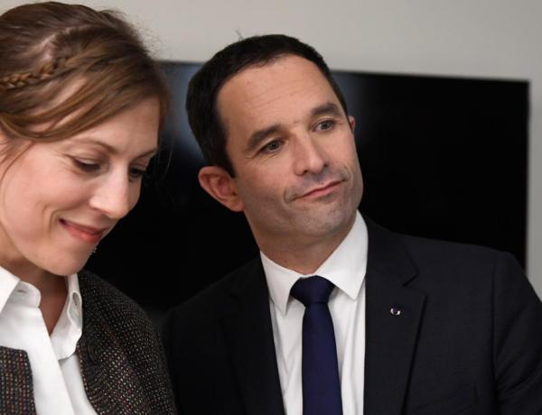 """<font color=""""#be075e"""" >Coup de gueule </font> Benoit Hamon énervé suite aux attaques sexistes contre sa femme"""