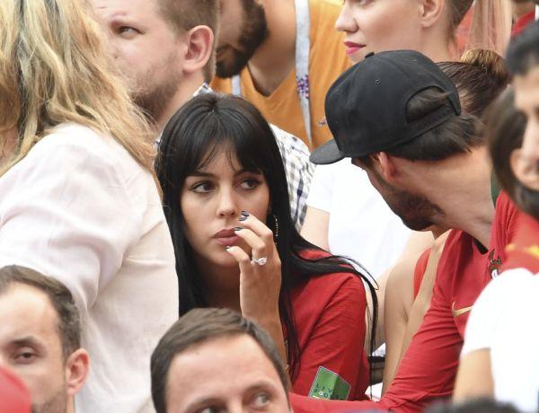 """<font color=""""#be075e"""" >Coupe du monde 2018 </font> : Cristiano Ronaldo fiancé? Georgina Rodriguez exhibe sa bague scintillante!"""