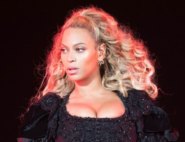 Beyoncé coincée dans les airs en plein spectacle !