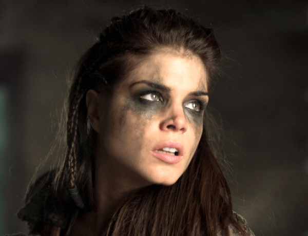 The 100 : Marie Avgeropoulos risque un an de prison pour violences conjugales