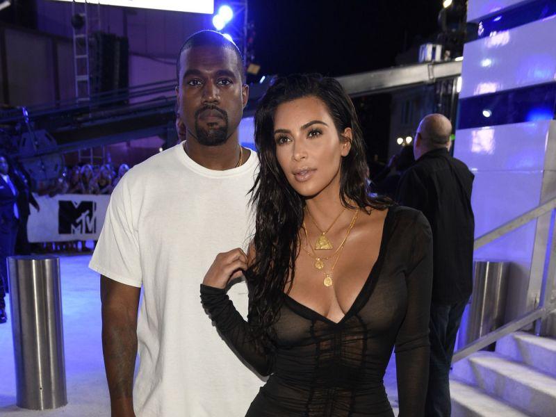 Kim Kardashian veut apprendre à Kanye West à… communiquer