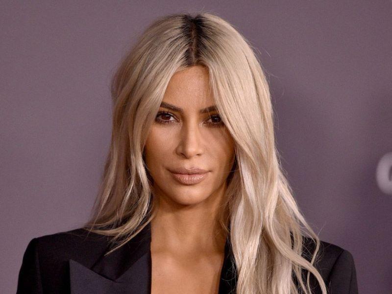 Kim Kardashian traînée en justice : un ancien collaborateur réclame 100 millions de dollars
