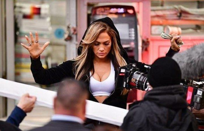 Jennifer Lopez : son incroyable cliché dans un bikini rose