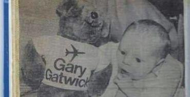 Abandonné dans un aéroport, il retrouve sa famille 33 ans plus tard