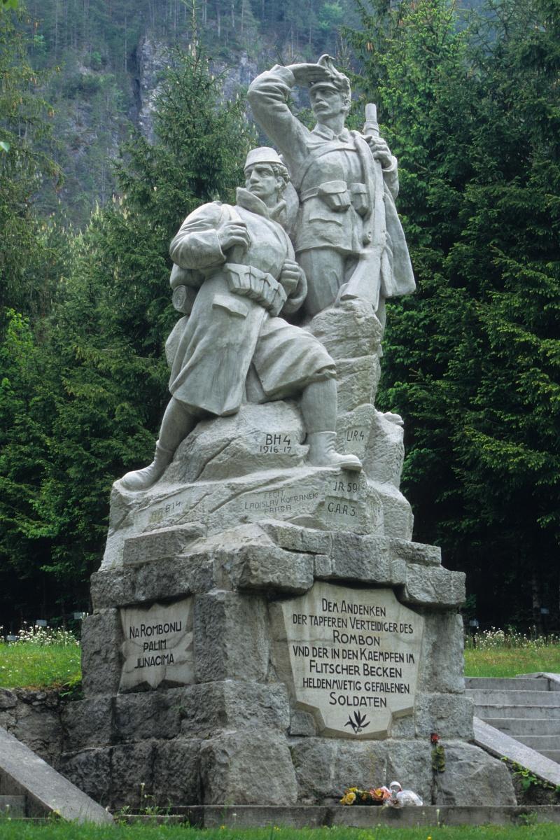 Log pod Mangartom  cimitero militare dei caduti nella 1