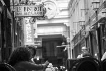 「カフェのひととき」  (パリ)