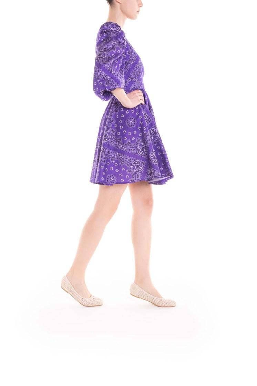 Vestito corto a portafoglio – bandana viola Poupine