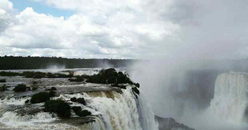 Les chutes d'Iguazu côté brésilien. Avec le son c'est encore plus impressionnant... #iguazufalls #ppn 1