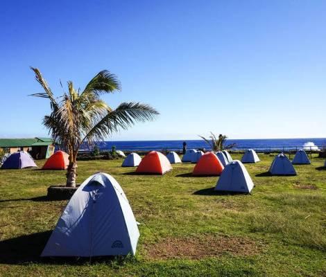 Notre camping, avec vue, sur l'île de Pâques. 1
