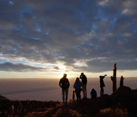 Levé de soleil sur le salar d'Uyuni. 9