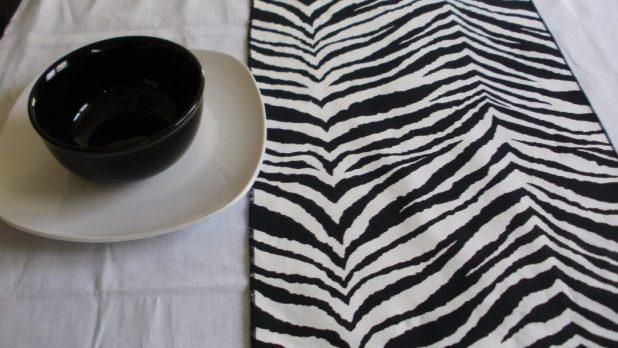 il_fullxfull.304497525 25 Elegant Black And White Dining Room Designs