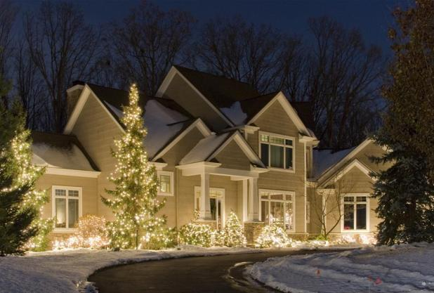 tree-wrapped-with-lights1 Creative 10 Ideas for Residential Lighting