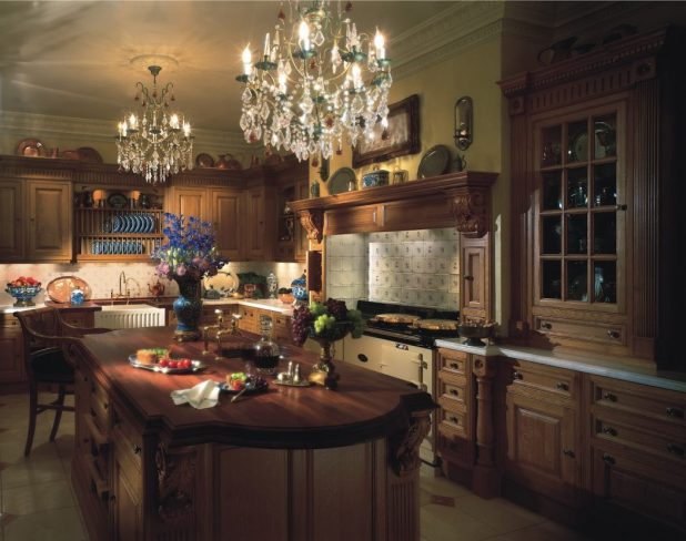 42-Victorian-Kitchen-in-Oak Stunning And Contemporary Victorian Decorating Ideas