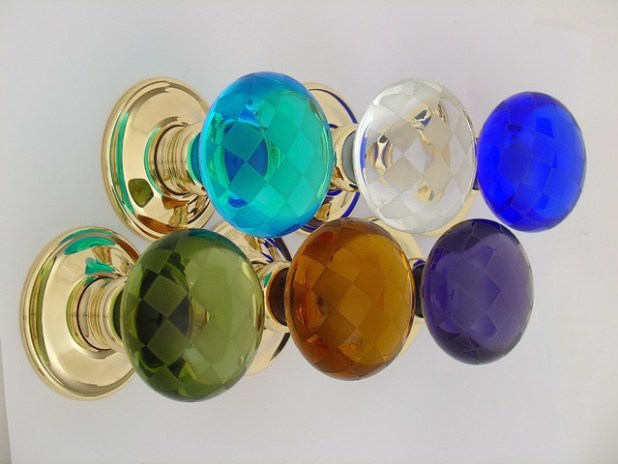 eclectic-knobs 4 Tips On How To Buy Your Door Knobs With Ideas