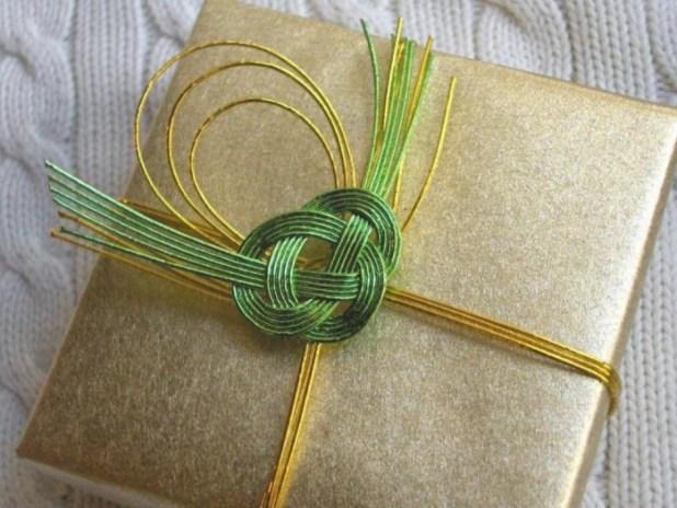 mizuhiki_gift_wrap 40 Creative & Unusual Gift Wrapping Ideas