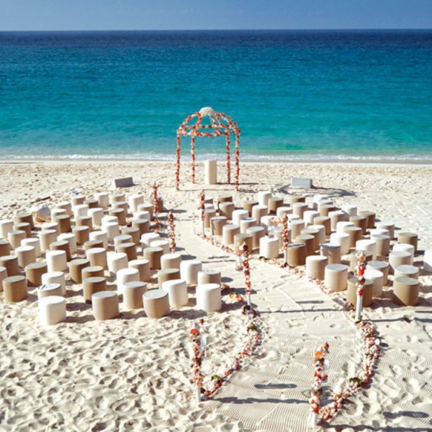 stunning-beach-wedding-decoration-ideas 25 Awesome Wedding Decorations in 2014