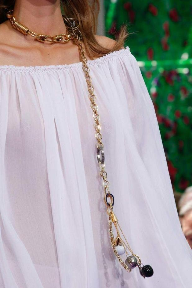 pearls-and-chains-6 The Hottest Jewelry Trends for Women in 2016