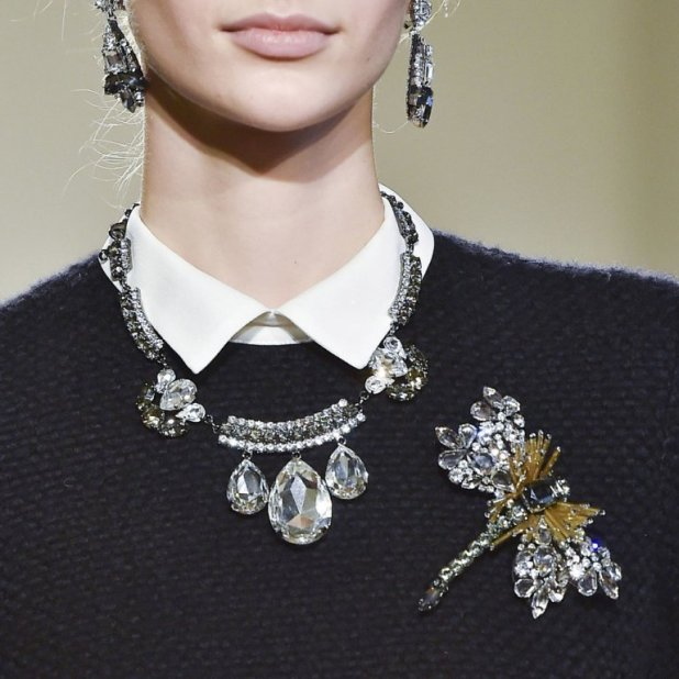 vintage-jewelry-and-brooches-3 The Hottest Jewelry Trends for Women in 2016