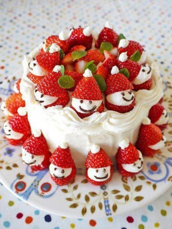 Christmas-Cake-Decoration-Ideas-2017-2 82 Mouthwatering Christmas Cake Decoration Ideas 2017
