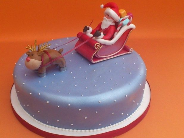 Christmas-Cake-Decoration-Ideas-2017-45 82 Mouthwatering Christmas Cake Decoration Ideas 2017