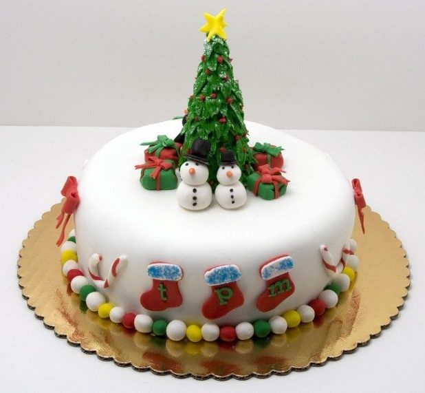 Christmas-Cake-Decoration-Ideas-2017-67 82 Mouthwatering Christmas Cake Decoration Ideas 2017