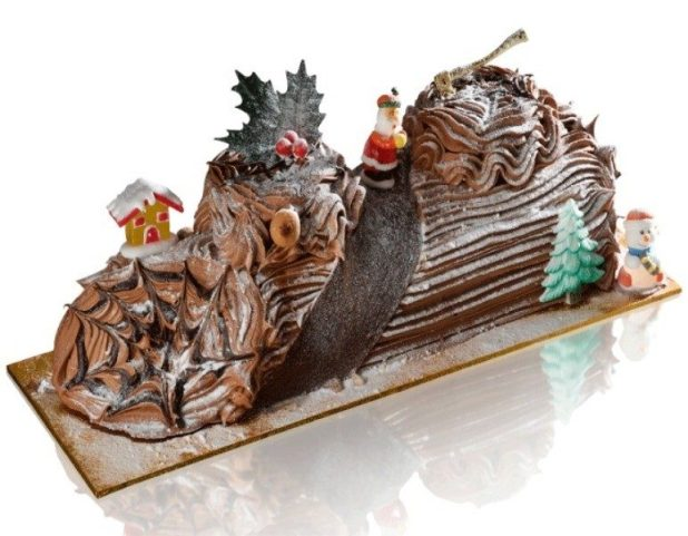 Christmas-Cake-Decoration-Ideas-2017-70 82 Mouthwatering Christmas Cake Decoration Ideas 2017