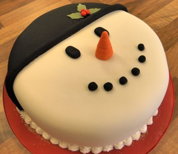 Christmas-Cake-Decoration-Ideas-2017-79 82 Mouthwatering Christmas Cake Decoration Ideas 2017