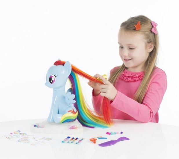 HTI-My-Little-Pony-Style-and-Groom-Pony-1 20 Must Have Christmas Toys for Children 2017