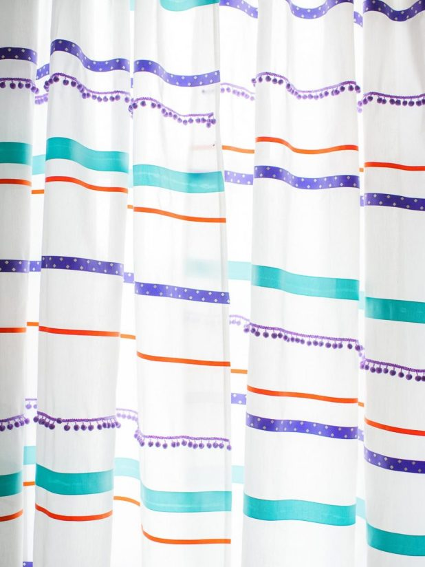Ribbon-Glued-Curtain4 Easy And Creative Curtains Designs To DIY