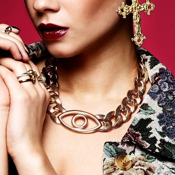 heavy-chains-1 23 Most Breathtaking Jewelry Trends in 2017