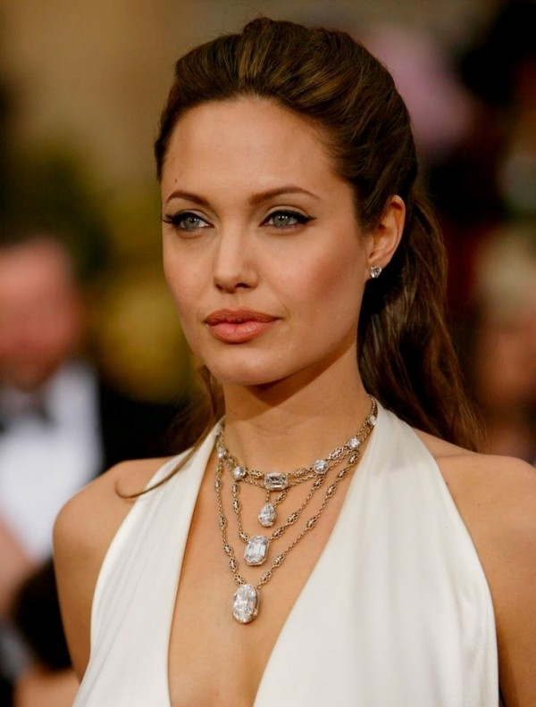 multilayered-necklaces-3 23 Most Breathtaking Jewelry Trends in 2017