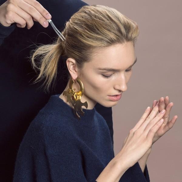 single-earrings-5 23 Most Breathtaking Jewelry Trends in 2017