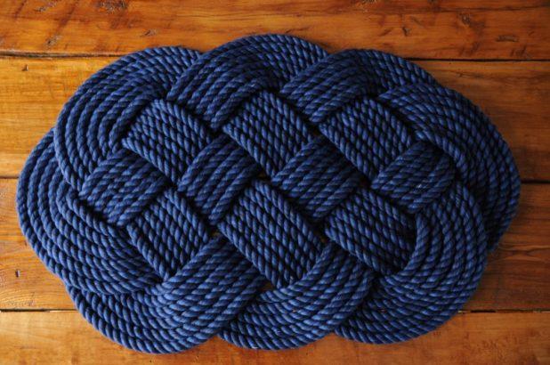 Aquatic-rope-bath-rug-675x448 6 Easy DIY Bathroom Rugs