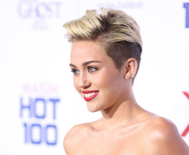 Miley-Cyrus-675x554 15+ Fashionable Tremendous Celebrities' Hairstyles