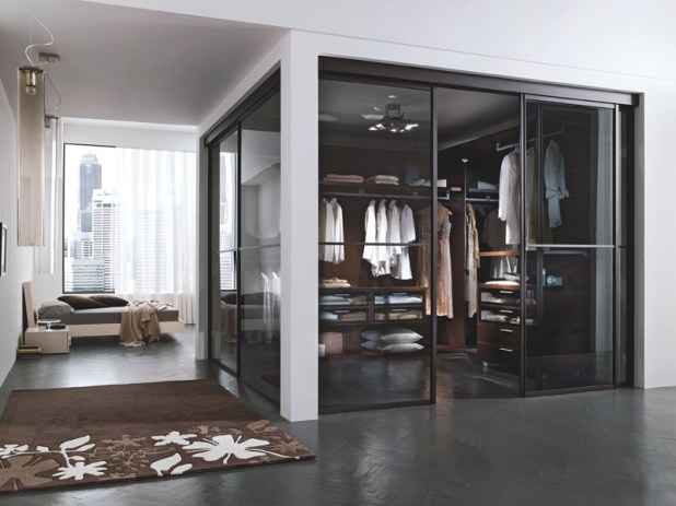 transparent-glass-wardrobe6-675x506 6 Brilliant Designs of Bedroom Wardrobes