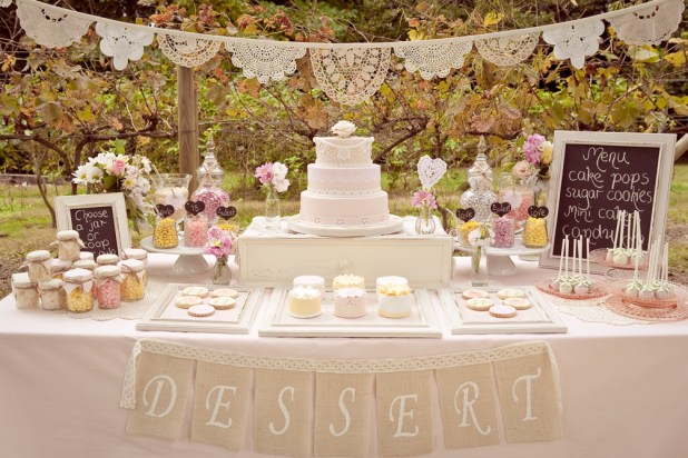Cake-Table4 10 Best Ideas For Outdoor Weddings in 2017