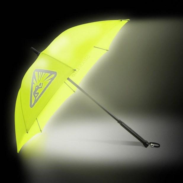 Illuminating-Umbrella2 15 Unusual Designs For Umbrellas