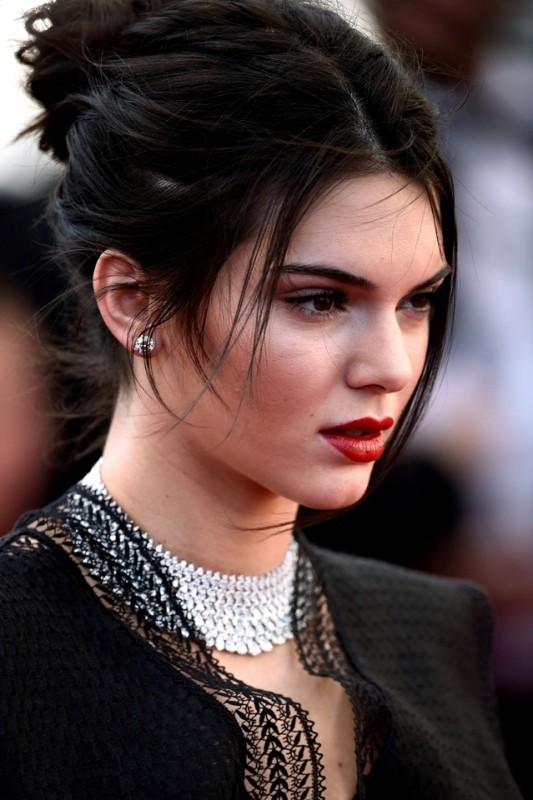 messy-hairstyles-4 28 Hottest Spring & Summer Hairstyles for Women 2017