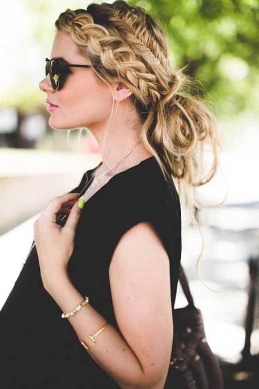 messy-hairstyles-7 28 Hottest Spring & Summer Hairstyles for Women 2017
