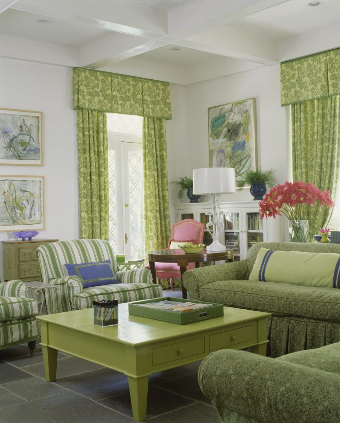 home-trends-curtain-valance-1490208381 5 Outdated Home Decor Trends That Are Coming Again in 2018