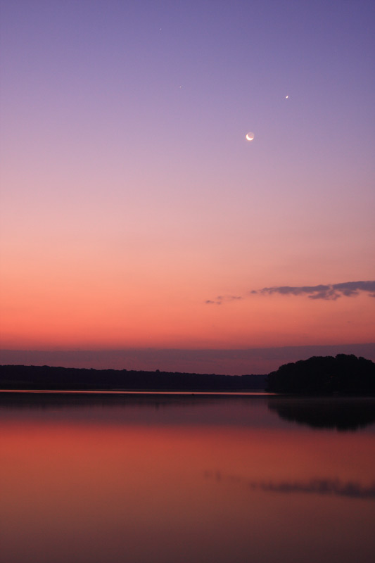 moon-venus-mars-before-sunrise-caldarusani.jpg
