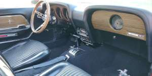 Ford Mustang-interior