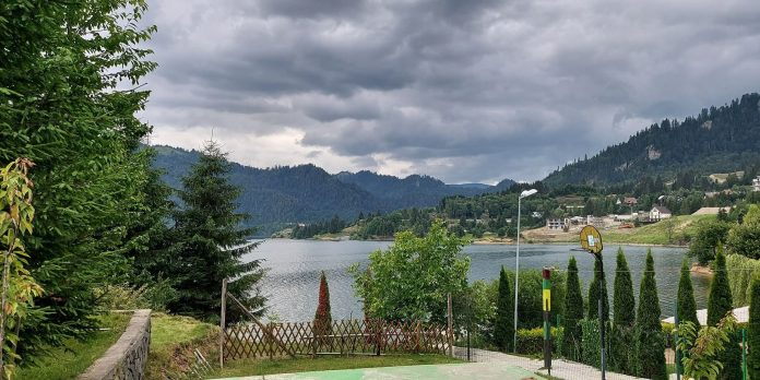 colibita-lake-a-dream-place-in-romania